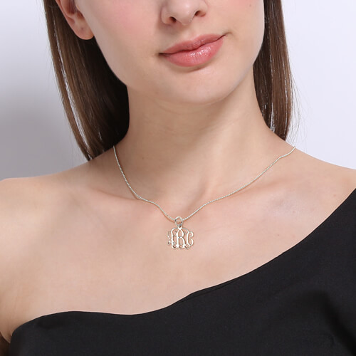XS monogram necklace