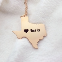 USA State Texas Map Necklace With Heart & Name Rose Gold