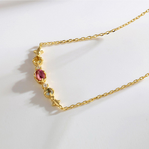 Elegant Gemstone necklace