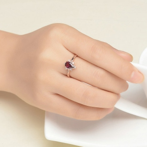 Drop-shaped gemstone ring