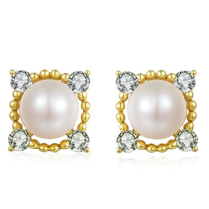 Natural Pearl Earrings In 18K Gold Plated