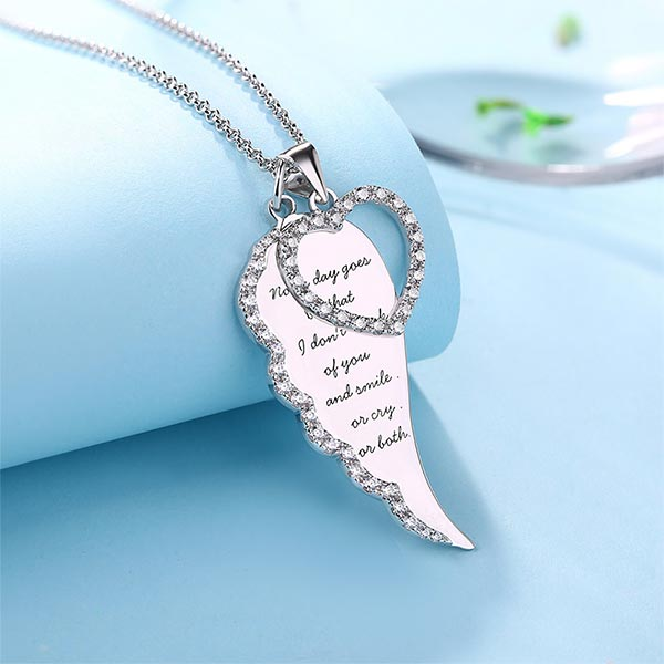 MEDAILLON Herz Engel Flügel groß Amulett Engelflügel auch mit Kette und Gravur