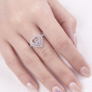 dancing diamond ring