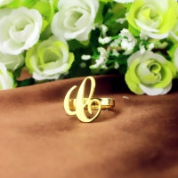 carrie name ring