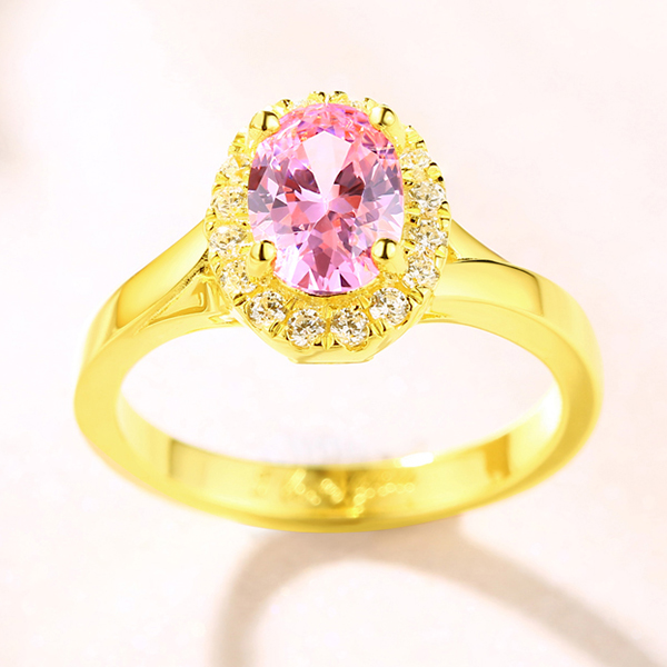 gravierter ring mit ovaler stein in gold. Black Bedroom Furniture Sets. Home Design Ideas