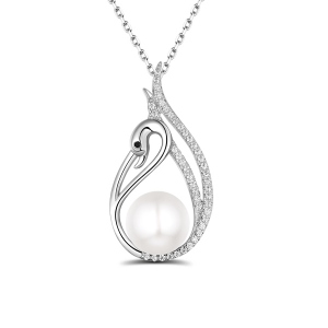 Elegant Swan Necklace With Freshwater Pearl In Sterling Silver