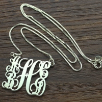 Personalized Mom's Monogram Gift: 5 Initials Necklace
