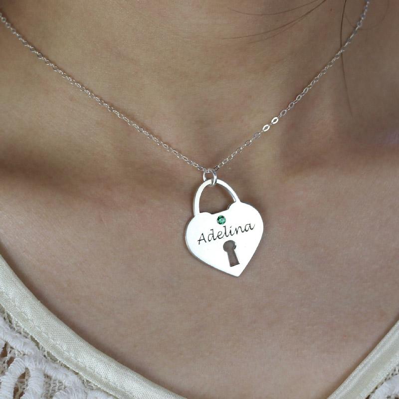 Pingente em prata de lei com a forma de coração personalizado